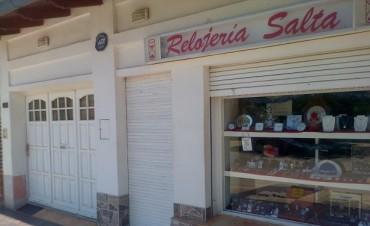 FORZARON PUERTA DE RELOJERIA