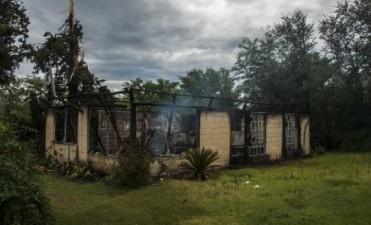 Un rayo redujo a cenizas una casa de campo en Cosquín