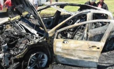 Tres jóvenes murieron en un grave accidente de tránsito