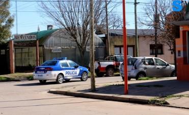 Este fin de semana el móvil policial de Monte Maíz chocó contra un cartel