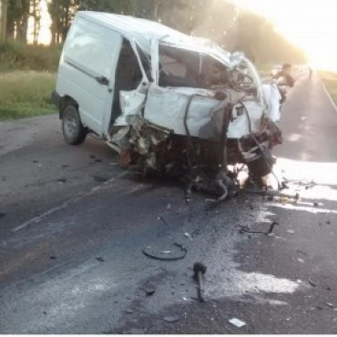 Mueren dos jóvenes en choque frontal sobre Ruta 9