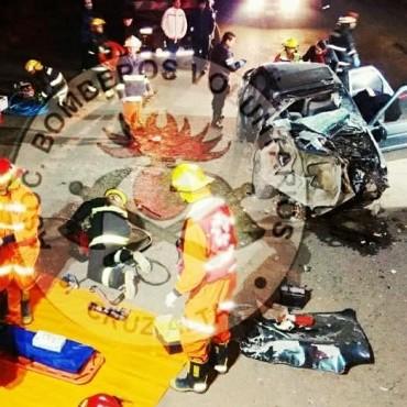 ACCIDENTE DE UN AUTOMÓVIL Y UN CAMIÓN SOBRE RUTA PROVINCIAL N°15.