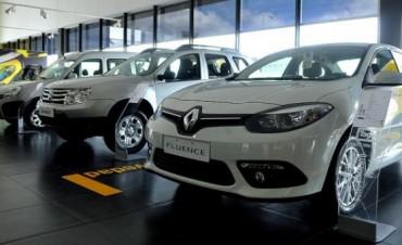 Autos: el Gobierno redujo impuestos para los modelos nacionales