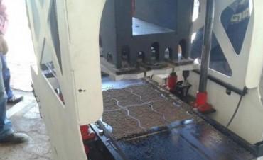 Deán Funes busca ahorrar y generar puestos de trabajo con el empleo de adoquines