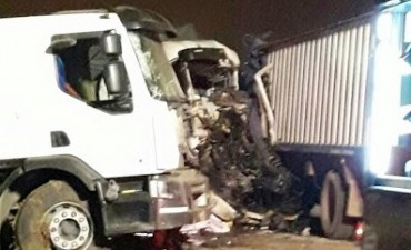 Tres camiones chocaron camino a la Fábrica Militar