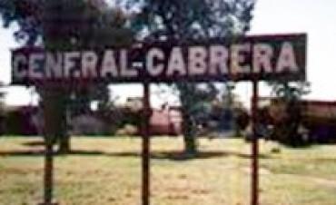 GENERAL CABRERA: Impactó una vidriera y un árbol con el auto que le sacó a un amigo