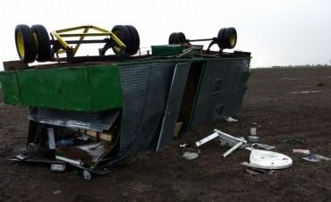 Una casilla fue levantada por el viento al sur de nuestra localidad.