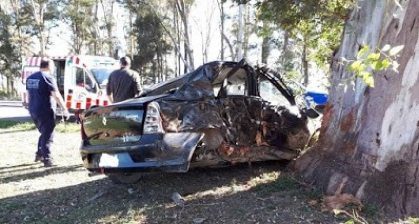 VILLA MARÍA : Perdió el control de su automóvil y falleció al chocar contra un árbol