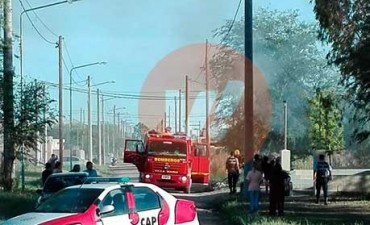 Incendio total en una casa de barrio Los Olmos: perdieron todo