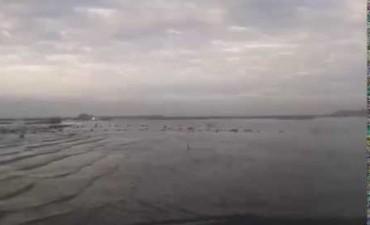 Agua arriba de la calzada sobre ruta 12 entre las localidades de Camilo Aldao y Corral de Bustos
