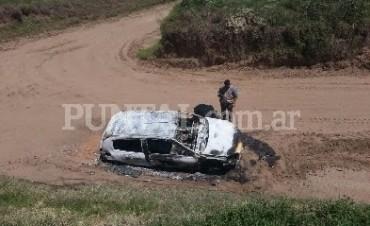 Las Higueras: joven murió calcinado dentro de su auto en un camino rural