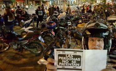 """Motociclistas advierten que el Gobierno avanzó con el """"patentamiento humano"""""""