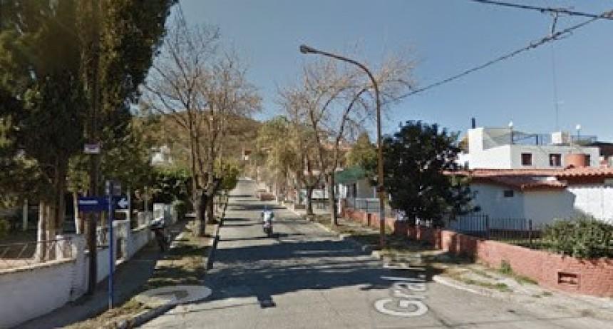 Una mujer de General Cabrera despistó y volcó en la autovía, cerca de Berrotarán