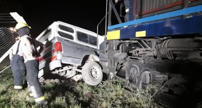 Río Segundo: una mujer falleció luego de que un tren embistiera su camioneta