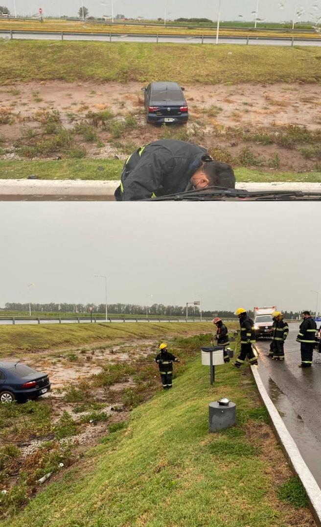 General Roca: Automóvil termino en medio de la cuneta