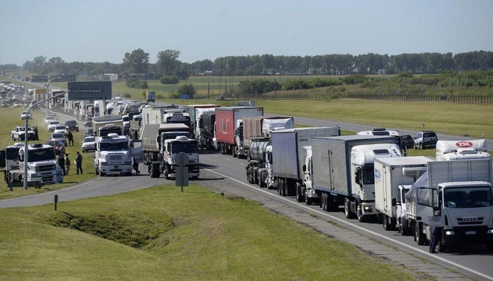 Paro de transportes: acopiadores responsabilizan a Berni y a gobiernos provinciales