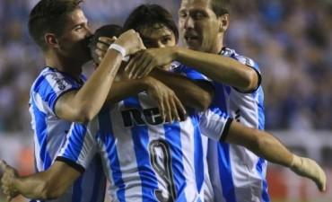 Racing brilló y goleó a un débil Bolívar en Avellaneda