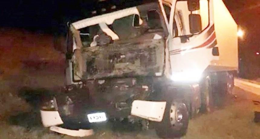 Chofer de Villa María murió al chocar de atrás contra otro camión
