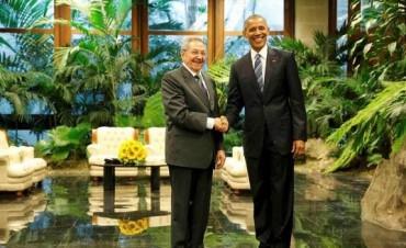 Histórica reunión entre Raúl Castro y Obama