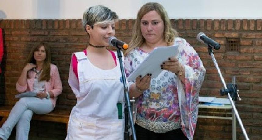 Noetinger: Agustina (20 años) nació sin brazos y le niegan la Pensión no Contributiva por Discapacidad.