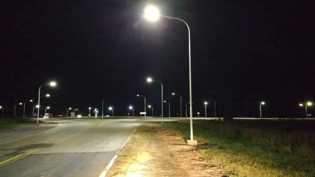 Iluminación de la rotonda intersección rutas N° 12 y N° 11
