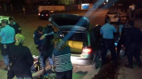 Operativo policial, persecución y detención en la noche del domingo