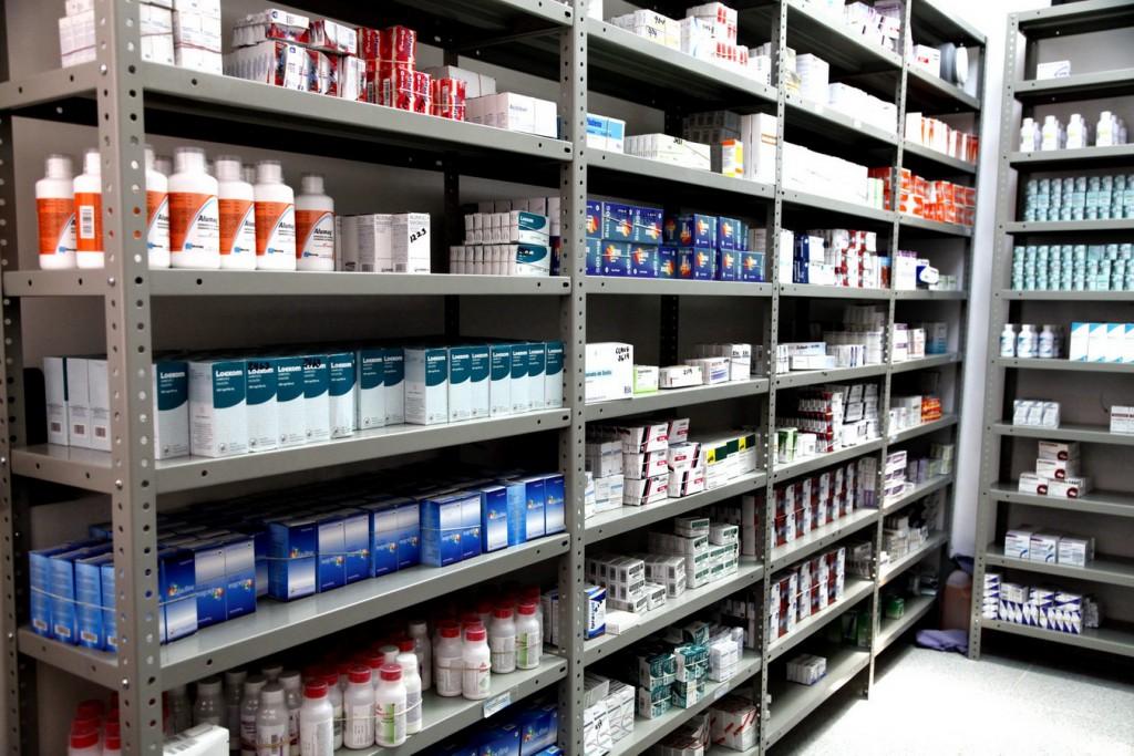 La provincia podría aplicar una ley para la venta de medicamento justo en las farmacias