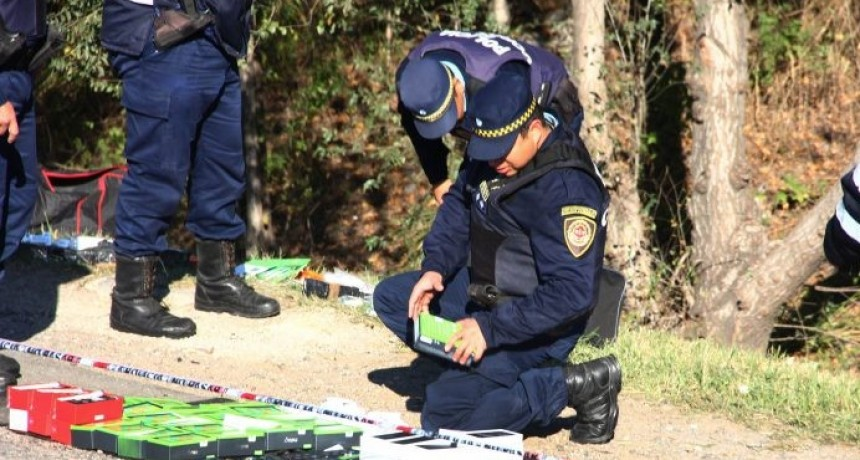 Policía caminera secuestró 200 celulares de ómnibus Flecha Bus