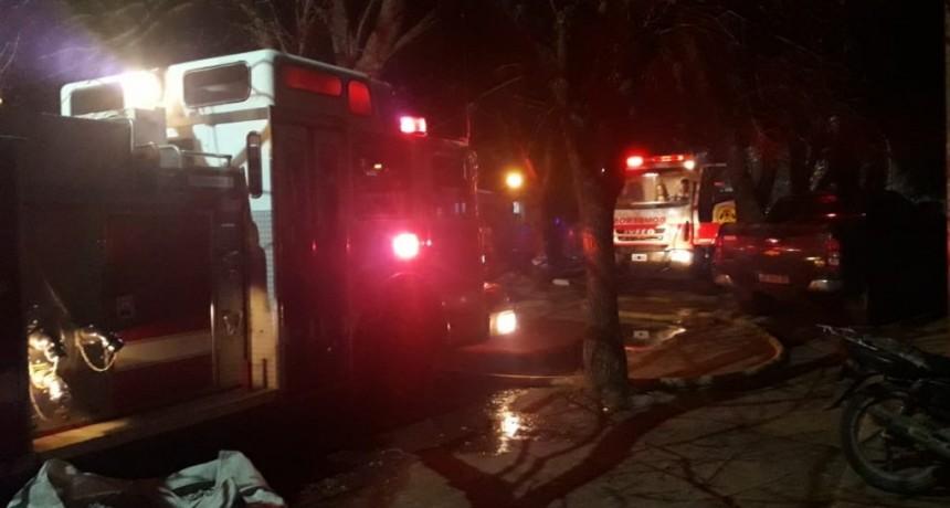 Voraz incendio en vivienda con pérdidas totales