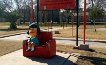 Mafalda ya tiene una nueva estatua en una plaza de Córdoba