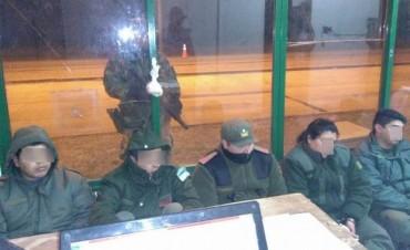 Cinco gendarmes presos por no revisar