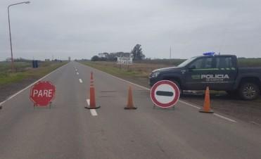 La Policía Vial continúa con el corte y los desvíos sobre la RP 90 a la altura de Melincué