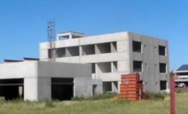 MARCOS JUAREZ: Joven de 15 años cayó desde el edificio en construcción