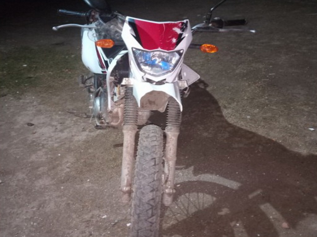 Un motociclista chocó por alcance a un automóvil en ruta 11