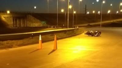 Accidente fatal en la Autopista: la víctima iba en moto y es de Pozo del Molle
