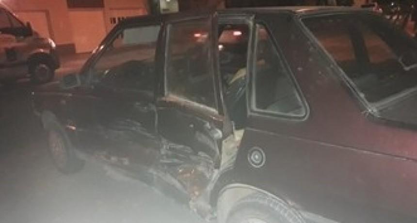 LEONES: ACCIDENTE DE TRÁNSITO ENTRE DOS AUTOS EN LA ZONA URBANA