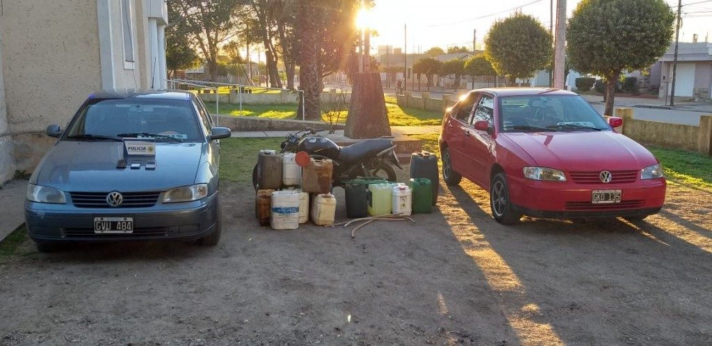 Robaban combustible de camiones en Laborde