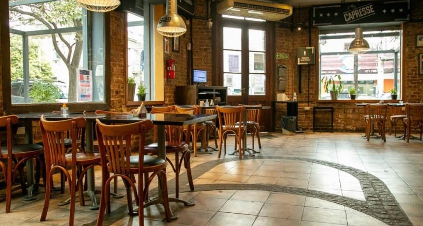 El COE Central suspende la actividad gastronómica en 20 localidades