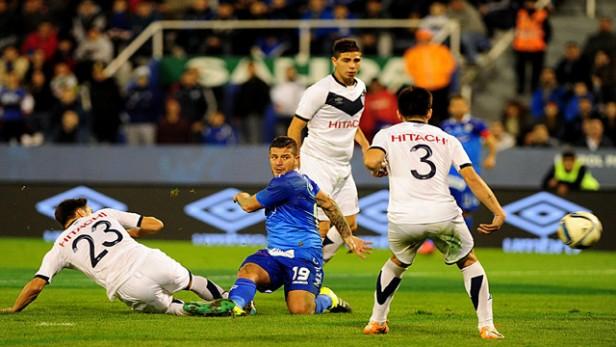 Vélez se durmió y empató 2 a 2 con Atlético Rafaela