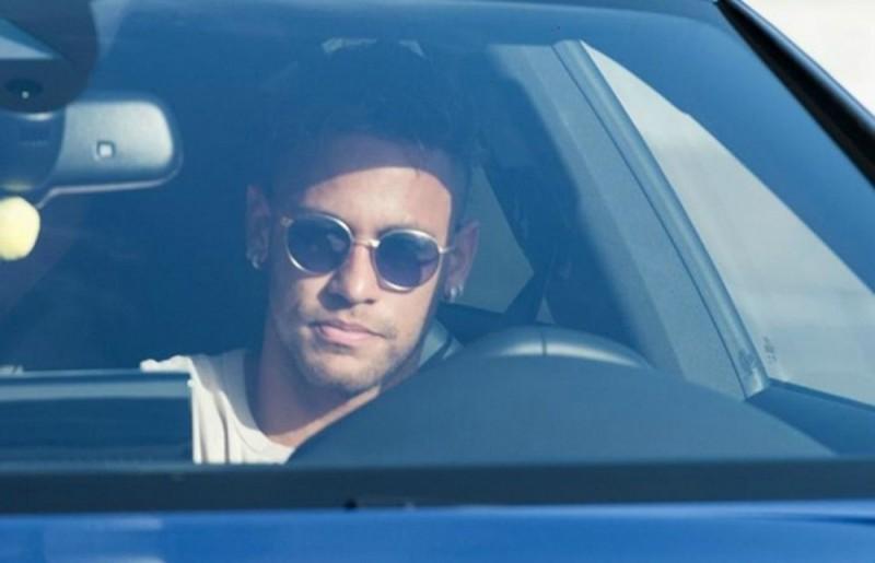 Neymar abandonó el entrenamiento y confirmó que deja el Barcelona