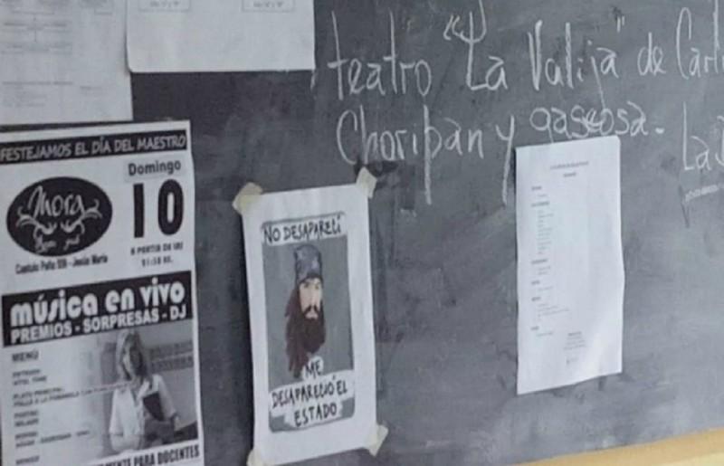 Una madre de Jesús María sacó a su hijo de clases por el caso Maldonado