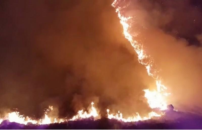 Continúa el incendio en Santa María de Punilla: no peligran viviendas