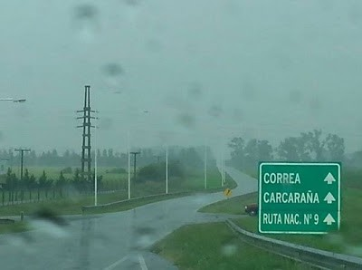 Vuelco de un camión de Villa Maria en Correa