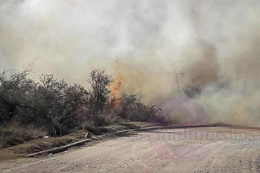 Bomberos continúan combatiendo incendios en Unquillo y en Villa Carlos Paz