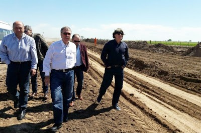 Schiaretti supervisó el avance de la ruta que unirá a Marcos Juárez con Saira
