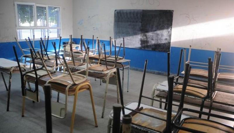 Por falta de agua, 300 escuelas suspenden clases en ambos turnos