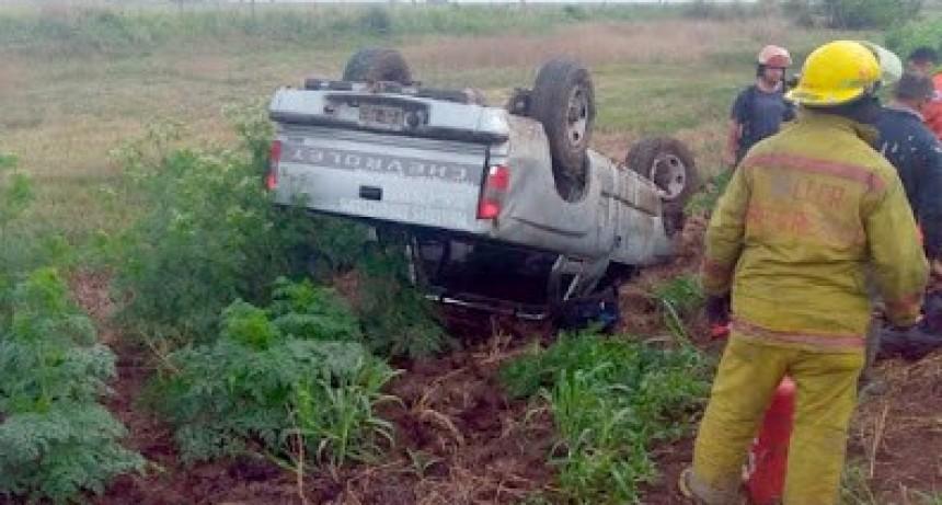 Un herido al volcar una camioneta cerca de General Cabrera