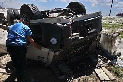 Un joven camionero de Río Tercero murió en un vuelco, cerca de Suco