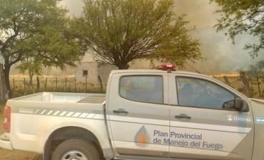 Intentan apagar 12 kilómetros de fuego en Guasapampa