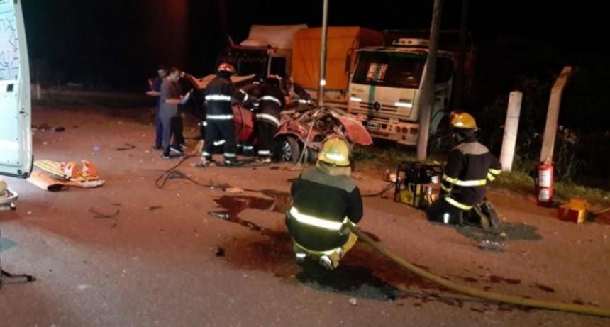Despiste y vuelco fatal en General Cabrera: tres muertos